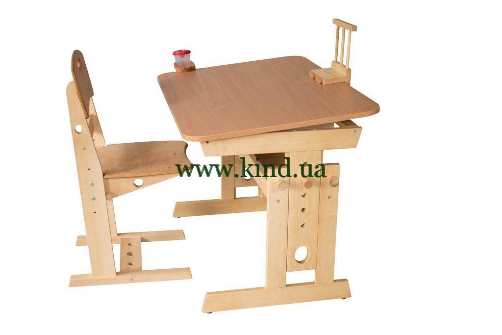 Парта со стулом из дерева