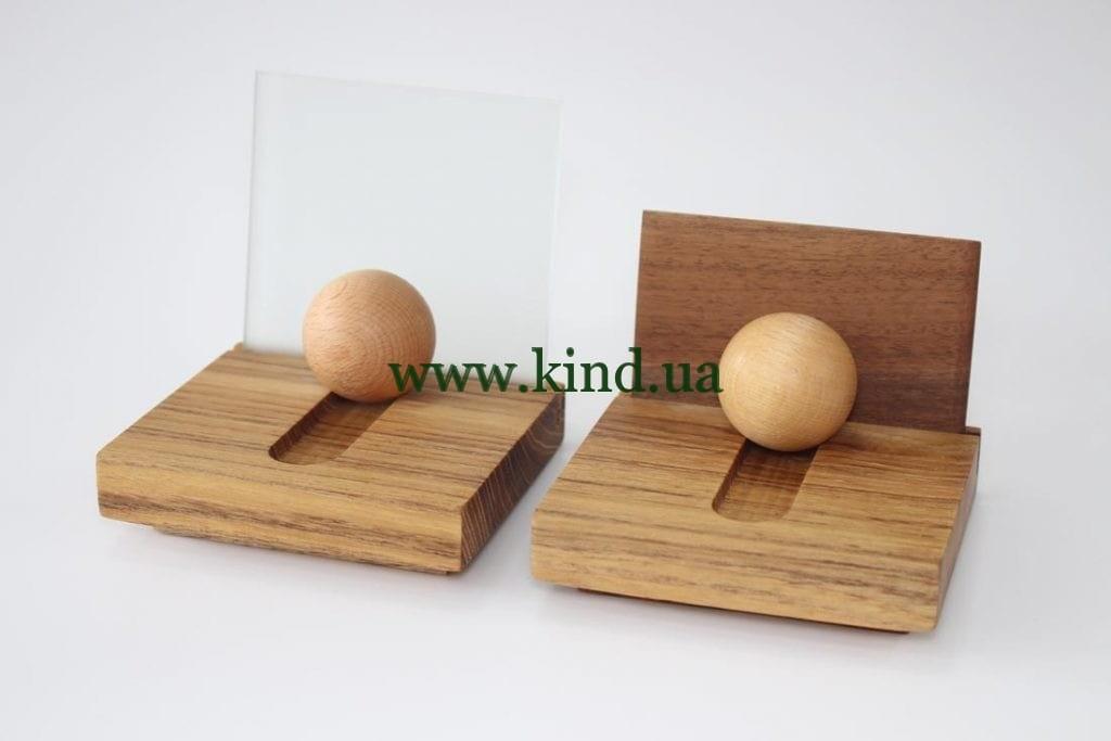 Подставки для визитных карточек из дерева