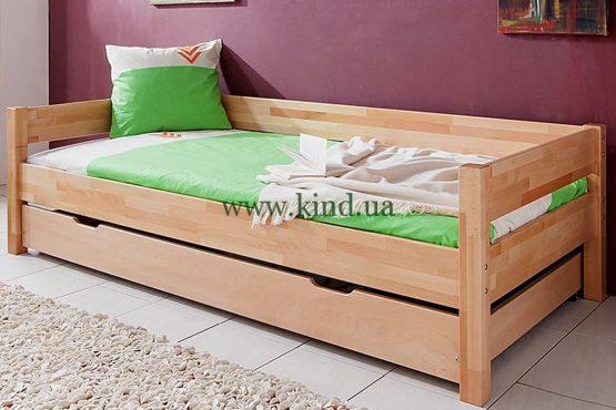 Деревяная кровать с большим ящиком