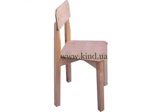 Стул для малышей деревяный