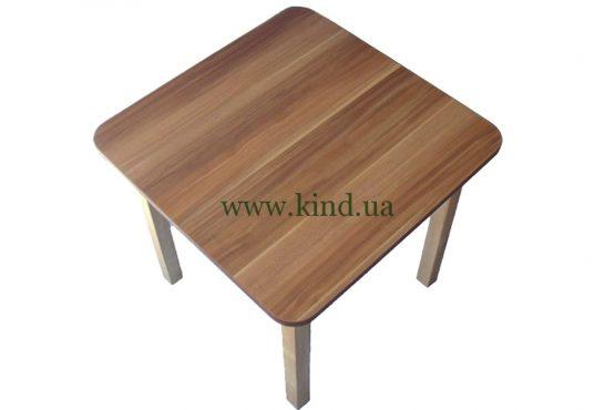 Деревяный детский столик