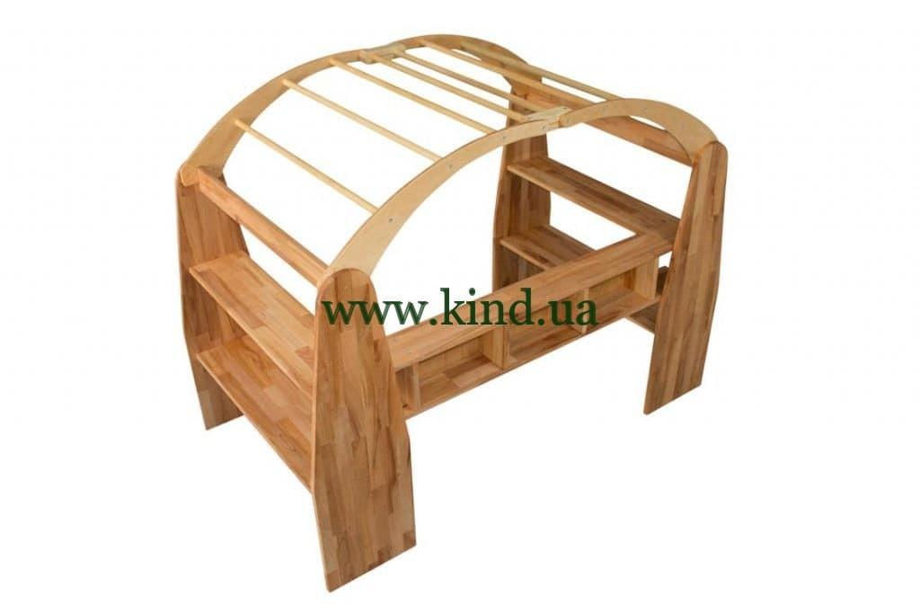 Деревянный домик для игр